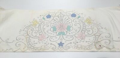 Fabulous Floral Madeira embroidered Vintage Flat Bed Sheet, w/ pair pillowcases