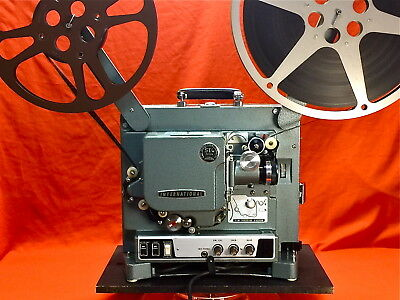 EIKI 16mm SOUND PROJECTOR MODEL ST/M - TESTED WITH FILM - RUNS GREAT