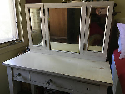 Small Antique Ladies' Vanity Dresser with Mirrors; Ca. 1940s; Good Vintage Cond.