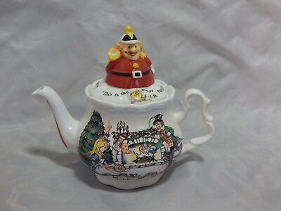 Paul Cardew Alice In Wonderland Teapot Alice's Christmas Tea Party