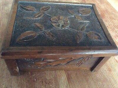 Lovely Arts And crafts Oak Carved Box