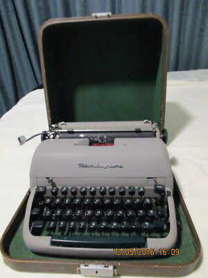 Vintage 1950s Portable Remington Typewriter With Case. Made in Gt Britain
