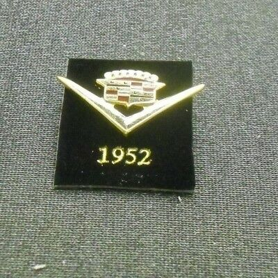 1952 Cadillac Pin Crest Lapel Hat Emblem Logo From Licensed Gm Collector Set