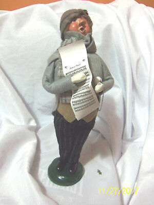 """1998 Byers Choice Caroler Man with Sheet Music """"Traditional Adult"""" Bumpy Base"""