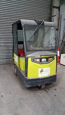 Clark CTX70 Tow Truck Battery Operated