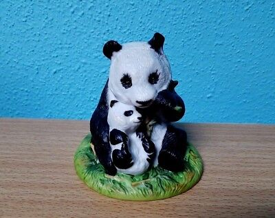 Adorable Franklin Mint Panda Bear Momma with Baby 1989