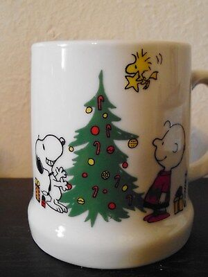 Peanuts 1977 Merry Christmas Mug Snoopy Woodstock Charlie Brown
