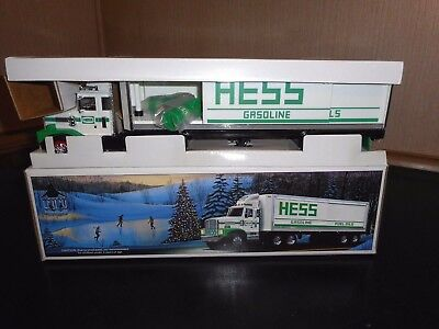 1987 Hess Toy Fire Truck Bank Mint Pre-Owned Condition