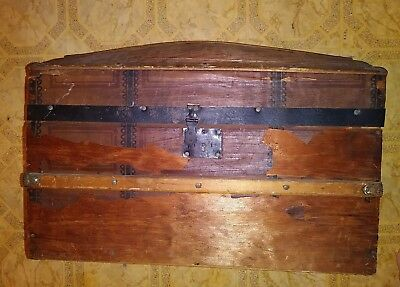 """Antique Toy Doll or Childs Trunk – Original Tray 17 3/4"""" x12"""" ×10"""""""