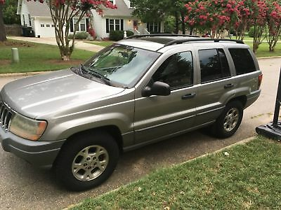 2002 Jeep Cherokee grand Cherokee 2002 JEEP CHEROKEE LAREDO-  AS IS- 227,000 MILES* does not run, but can be fixed
