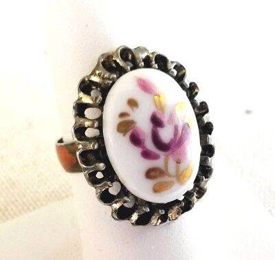 Vintage Lavender Flower Cab Gold Tone Ring Adjustable Size 7