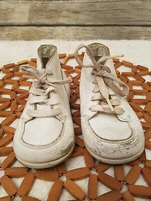 Vintage Old Baby Shoes Jumping Jacks Cuddlers White Leather Lace Up Walking