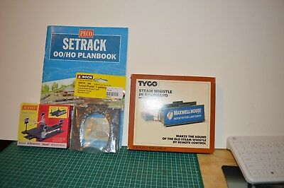 peco ho/oo plan book and hornby single tracklevel crossing andho accesories