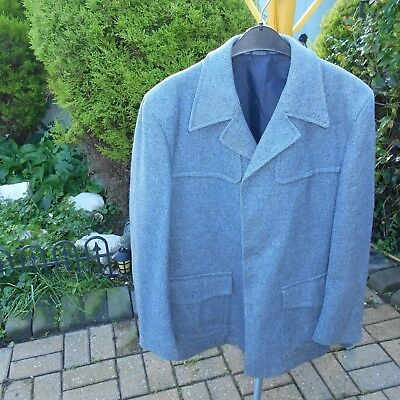 Mens 3/4 jacket   40 chest   102 cm70% wool  30% polyester,
