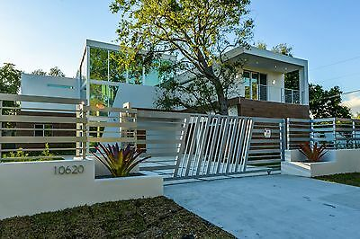 Miami Fl-Ultra Modern House  Built In 2017-4 Lease With The Option To Buy