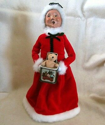 BYERS' CHOICE LTD Carolers 2008 MRS SANTA CLAUS  with JACK IN THE BOX TEDDY BEAR