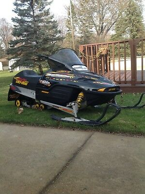 2001 ski doo MXZ 700 runs great  3,500 miles