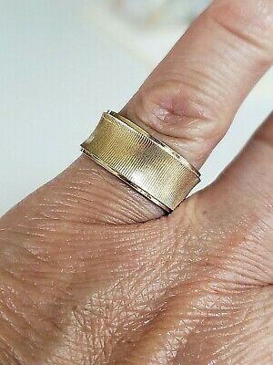 Vintage Textured Gold Tone Ladies Band Ring Size 6.75  Diamond Cut