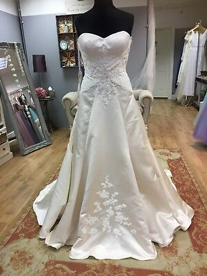 Wedding Dress Size 16 UK