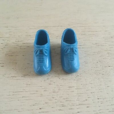 Dutch Sindy sister Fleur blue trainers VGC