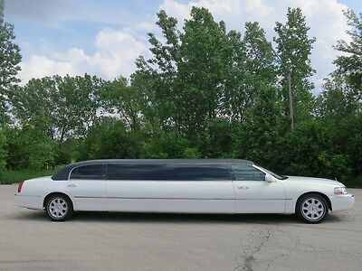 2007 Lincoln Town Car  Lincoln Town Car Stretch Limousine