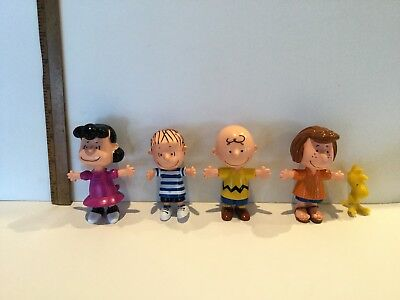 Peanuts figures by UFS china