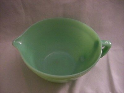 Vintage FIRE KING Jadeite Green Mixing Batter Bowl w Handle & Spout~made in USA