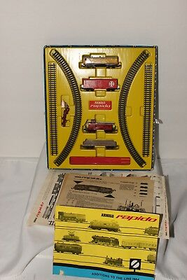 "Arnold Rapido ""n"" Scale  Vintage Baldwin U.p Train Set W/ 3 Freight Cars  # 060"