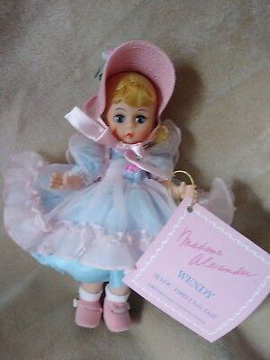 Madame Alexander 8 in 1989 madc club doll Wendy. Mint in box