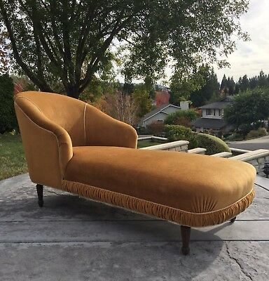 French Antique Chaise Fainting Lounge