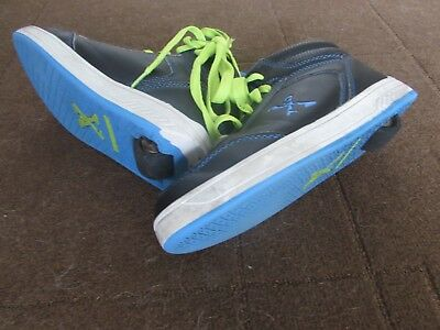 Boys Roller Shoes Size 6 Ages 9-11 (Great Condition, Almost New), A Bargain!