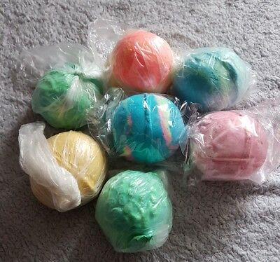 Lush Bundle Of six Bath Bombs ( 1 free ) ❤ Including Christmas Exclusives ☃❄