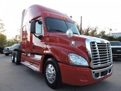 2012 Other Makes Freightliner Cascadia 125 W/ Sleeper And 10 Speed  2012 Freightliner Cascadia 125 W/ Sleeper And 10 Speed