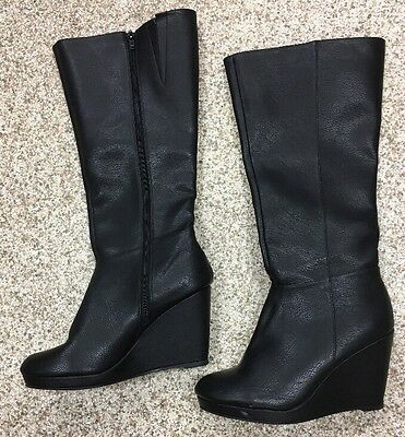 City Classified Size 6 Black Boots