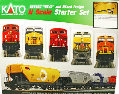 Kato N Scale CN ES44AC Locomotive & Freight Starter Set Track & Power 106-0020