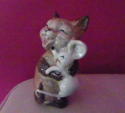Beswick - Cat With Mouse Model Number 2100 - No Defects