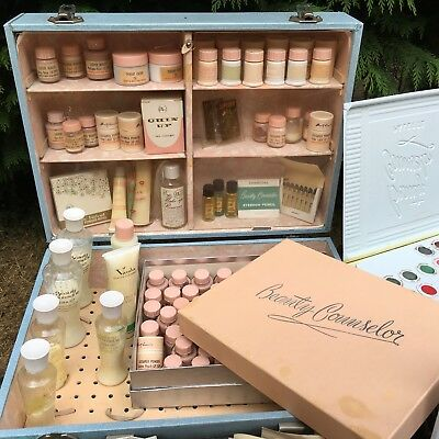 1950's Original Vintage Beauty Counsellor Make up Demo Kit with samples.