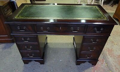STUNNINGLY RESTORED FLAME MAHOGANY 4x2 REPRODUCTION ANTIQUE STYLE PEDESTAL DESK