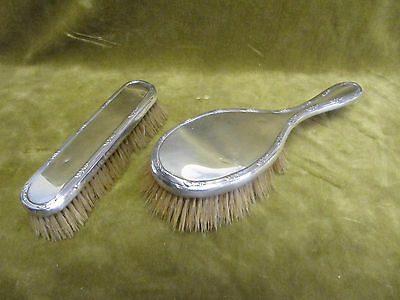 1911 english sterling silver 925 2 brushes (hair & clothes) Mappin & Webb LXVI