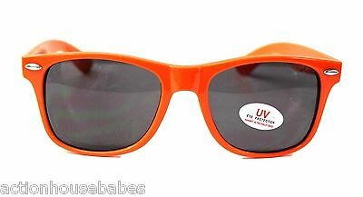 HOOTERS Sunglasses w/ UV Eye Protection  - ORANGE - Adult Unisex - NEW