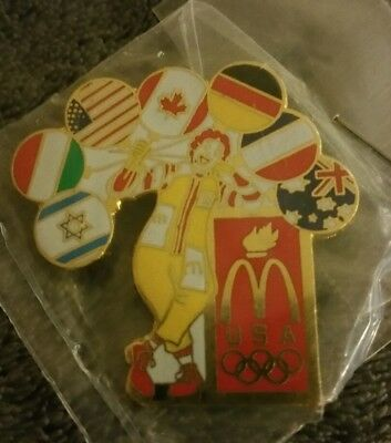 1996 Ronald McDonald's Olympic Pin with National Symbol Balloons