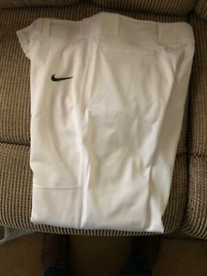 NIKE BASEBALL PANTS Size MEDIUM Pre-owned. They are in good shape !!!