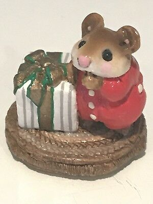 Wee Forest Folk, Red Mouse w/present