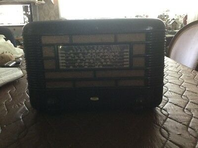 Vintage Little Nipper Bakelite Radio