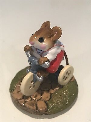 Wee Forest Folk, Mouse on button wheel bike
