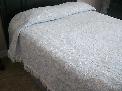 Vintage BATES of Maine Blue & White Bedspread Coverlet 91x108 Double Full Queen