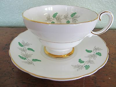"Vintage Crown Staffordshire Fine Bone China ""green Grapes"" Teacup+Saucer"