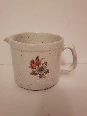 vintage 60's Blue mountain pottery creamer country charm rose pattern mint shape