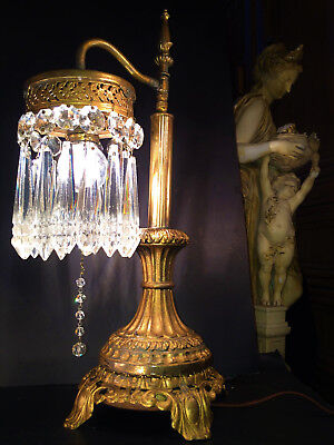 FINE ANTIQUE  VICTORIAN ERA TABLE LAMP W/ LARGE NOTCH CUT CRYSTALS, EARLY 1900s