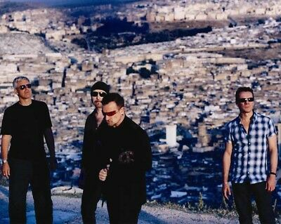 U2 UNSIGNED photo - K8183 - Bono, The Edge, Adam Clayton and Larry Mullen Jr.